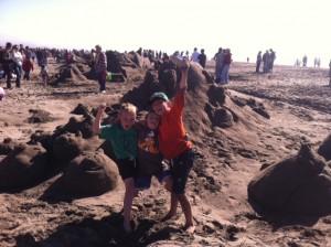 alex eli and cobalt sandcastles rving